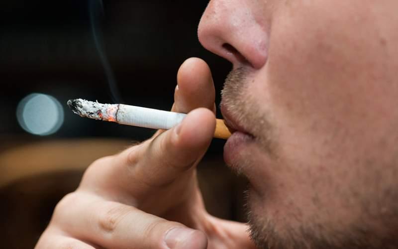 تحذير للمدخنين: قد تصابون بأخطر أنواع فيروس كورونا!