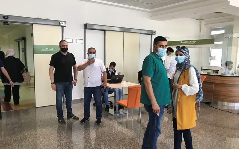 اعطاء الجرعة الثانية من لقاح سبوتنيك V في المستشفى التركي في صيدا