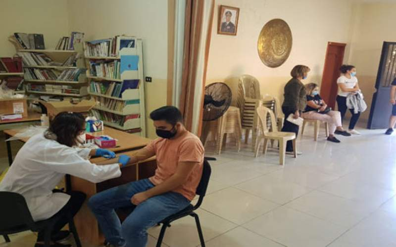 فحوص مناعة في بلدة رحبة أجراها  فريق من مستشفى رزق